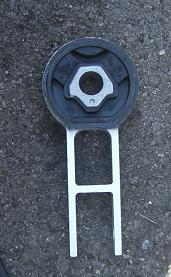 Click image for larger version  Name:1.6 engine mount rear 2.JPG Views:5 Size:13.4 KB ID:90586