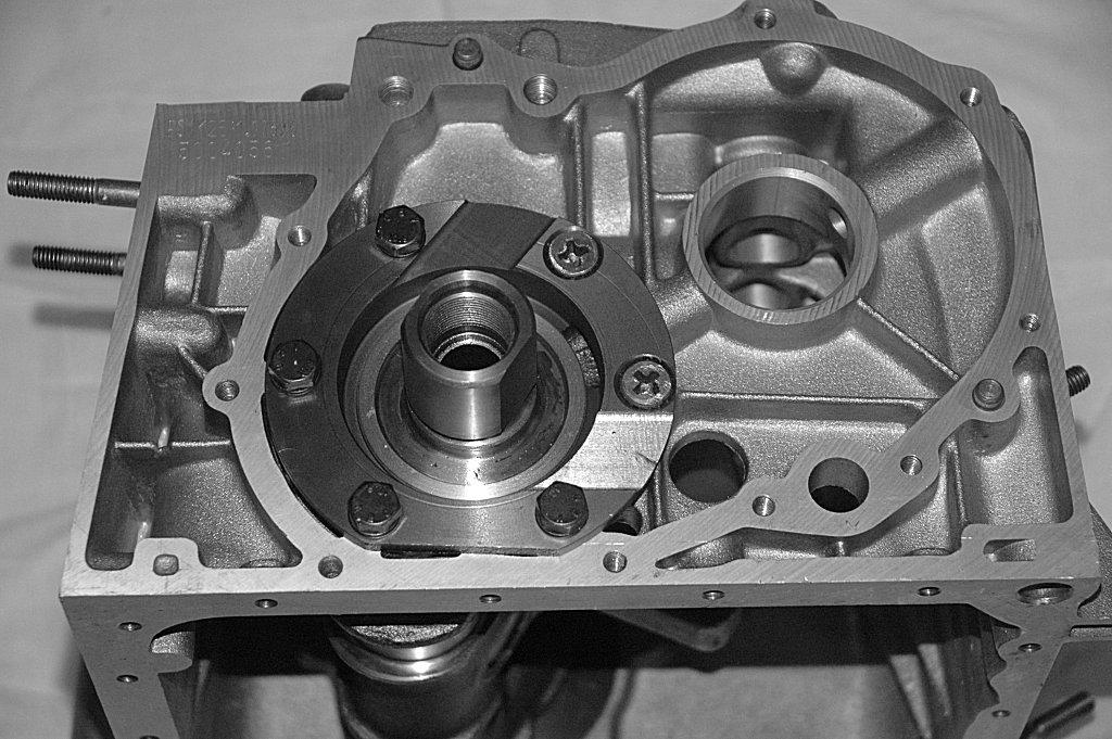 Click image for larger version  Name:Front crankshaft bearing 2.JPG Views:195 Size:160.4 KB ID:89219