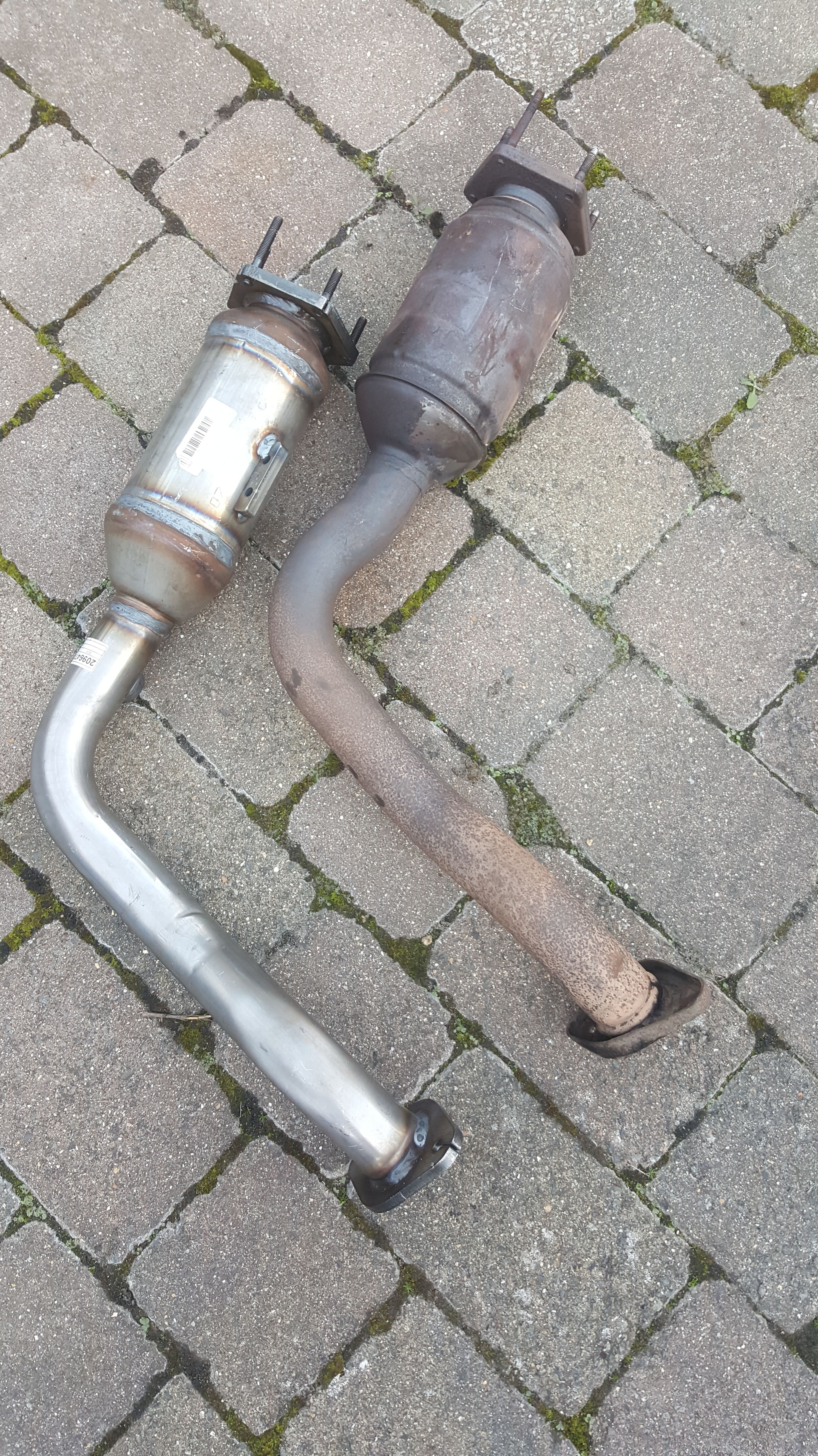 Click image for larger version  Name:marea_front_exhaust01.jpg Views:2 Size:2.48 MB ID:183712