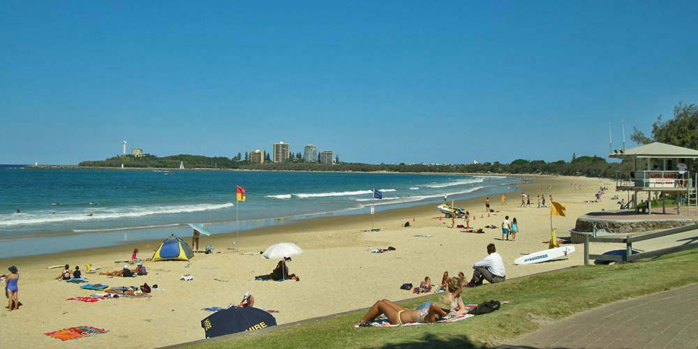 Click image for larger version  Name:Mooloolaba Beach.jpg Views:20 Size:86.2 KB ID:162535