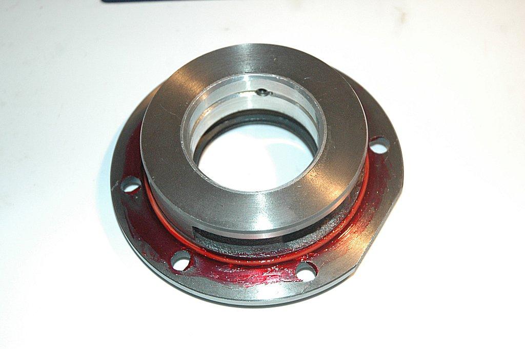 Click image for larger version  Name:Rear crankshaft bearing.JPG Views:158 Size:83.3 KB ID:89223