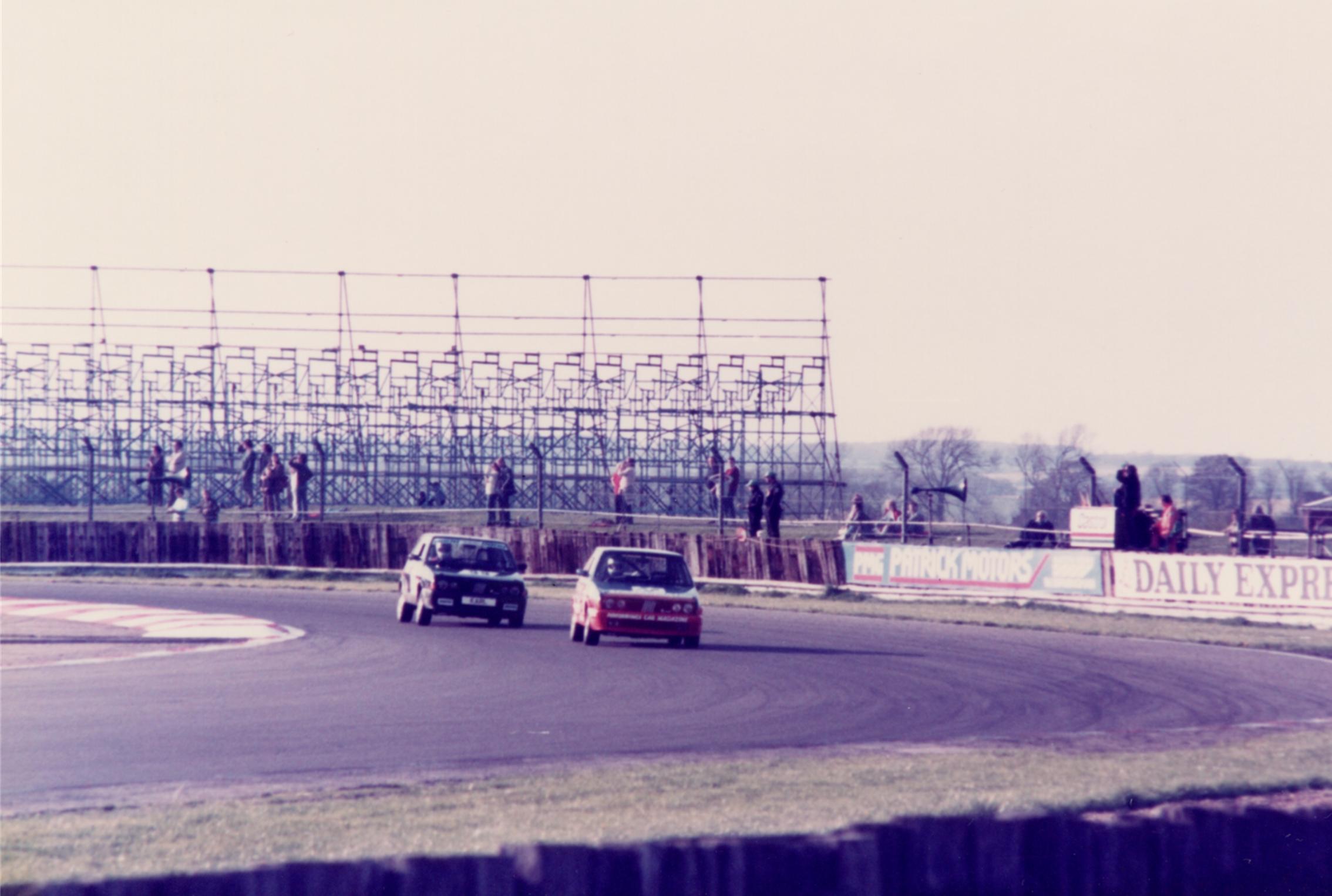 Click image for larger version  Name:Stradas Racing 3.jpg Views:13 Size:1.48 MB ID:118143