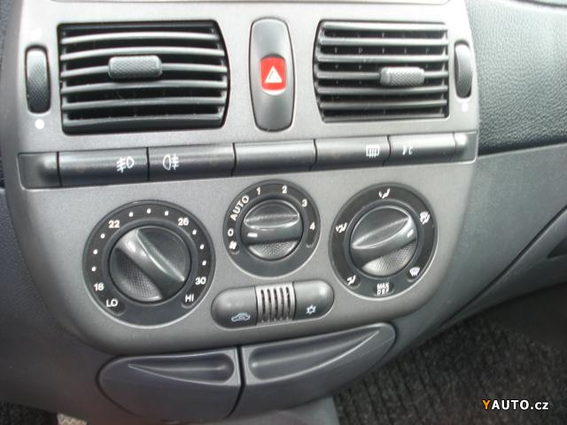 int-Fiat_Bravo_1_2_16V_Trofeo_2