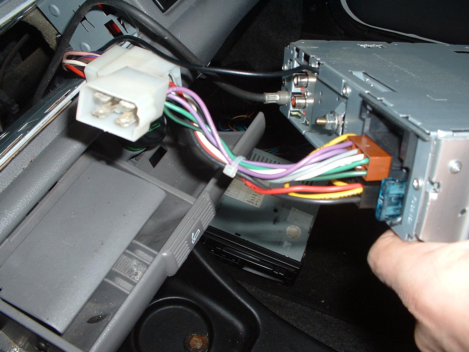 General  Cinq Radio Connector - Iso