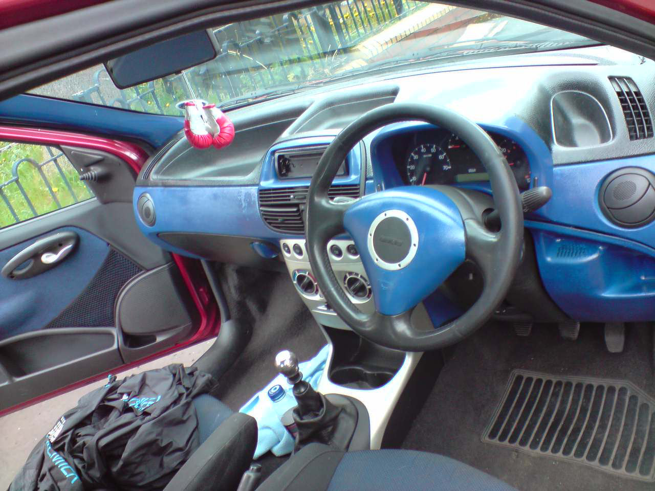 Punto Mk2 2b Out With The Old In New My Mk2a Fiat Grande Fuse Box Glove Compartment One Has Shortend So Went To A Motor Factors Near Mine And Payed 598 For 2 Big Fuses Problem Solved Now Car Is All Put Together Heres Pics